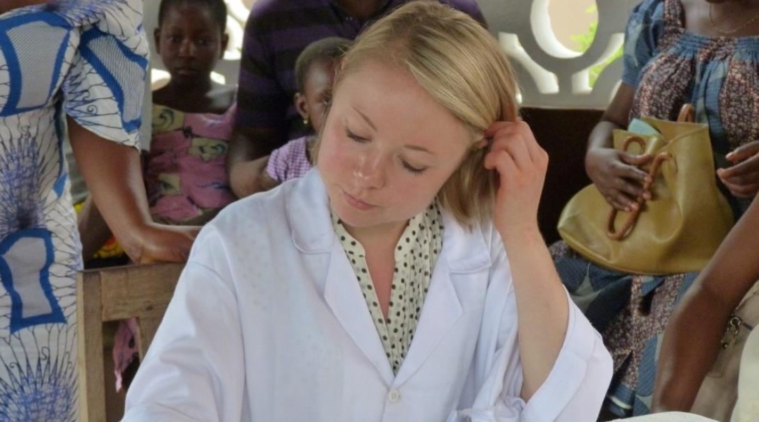 Une étudiante en médecine au Togo